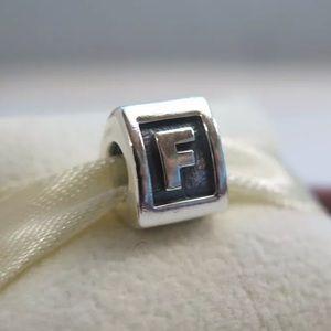 790323F Pandora Initial F Charm